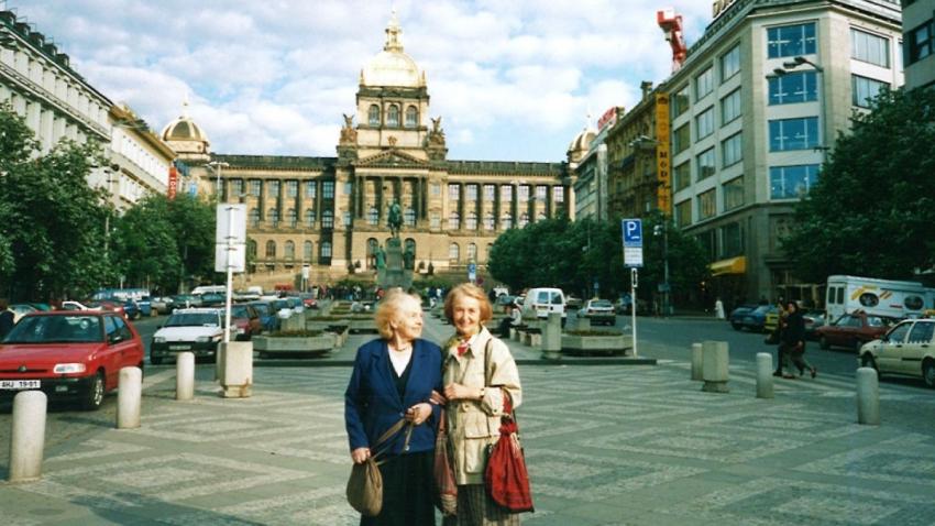 Sestry Olička a Vlastenka, Praha 1997.
