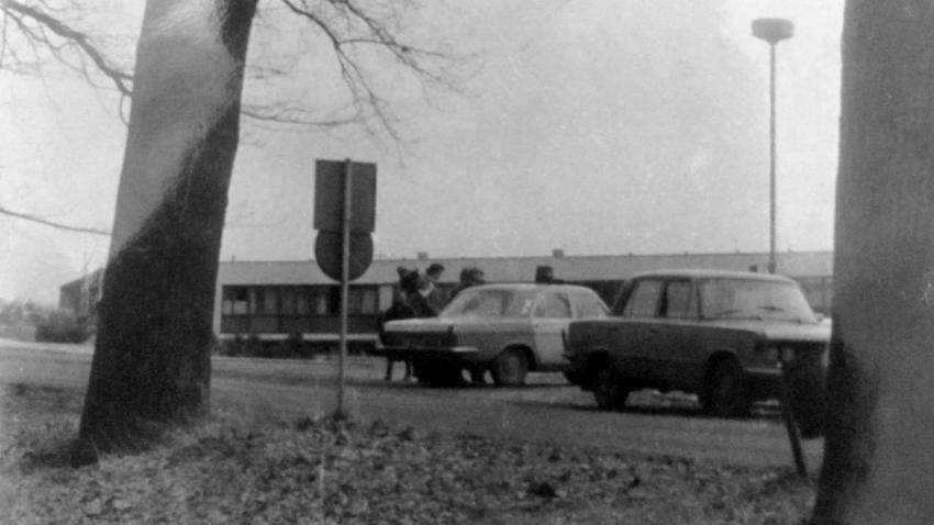 StB hlídalo, aby se Drahomíra Šinoglová nemohla dostavit k lékařskému vyšetření ve znojemské nemocnici v roce 1982.
