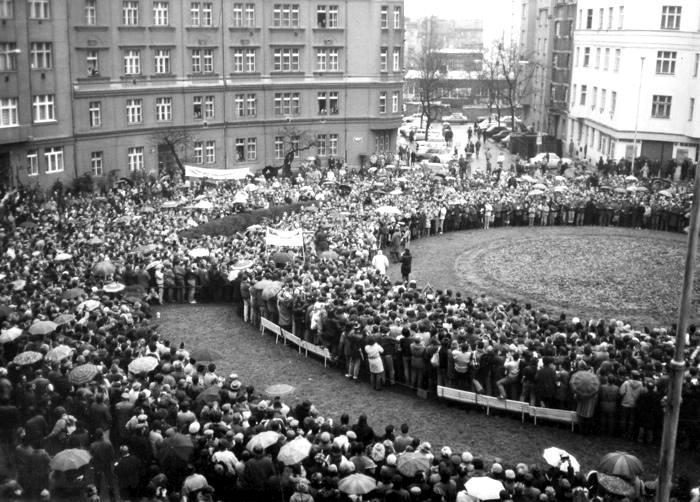 Demonstrace se zúčastnilo asi 5 000 lidí