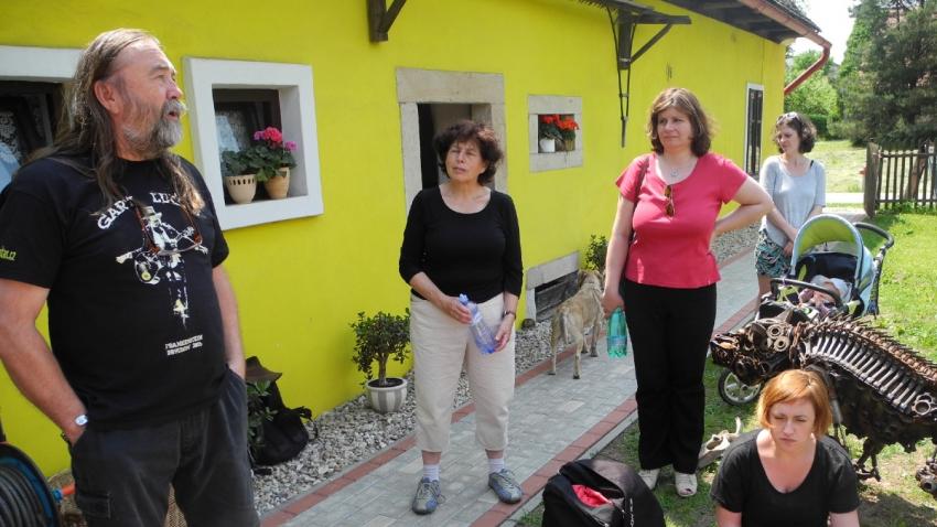 Stanislav Pitaš vyprávěl o 80. letech členům Klubu přátel Paměti národa v Šonově, kde provozuje penzion U Pitašů.