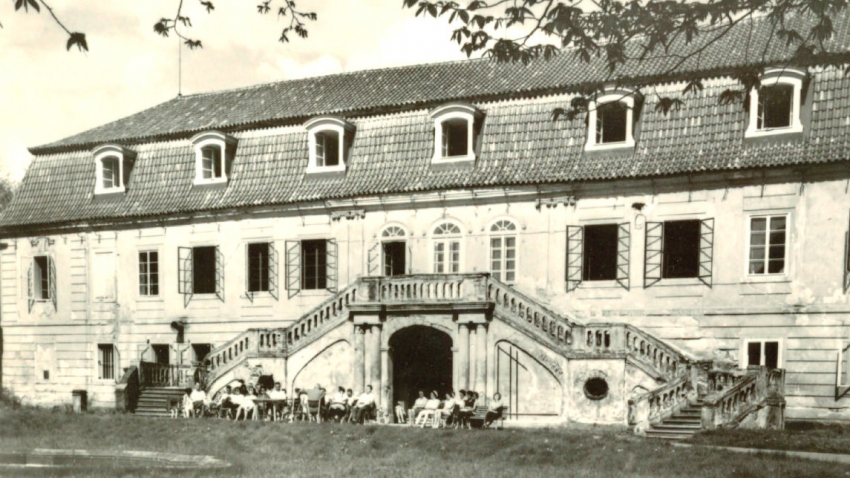 Židovské děti na zámku Štiřín. Foto: Archiv P. Pittra a O. Fierzové