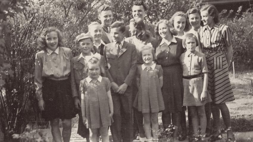 Svatobořické děti po válce. Foto: Paměť národa