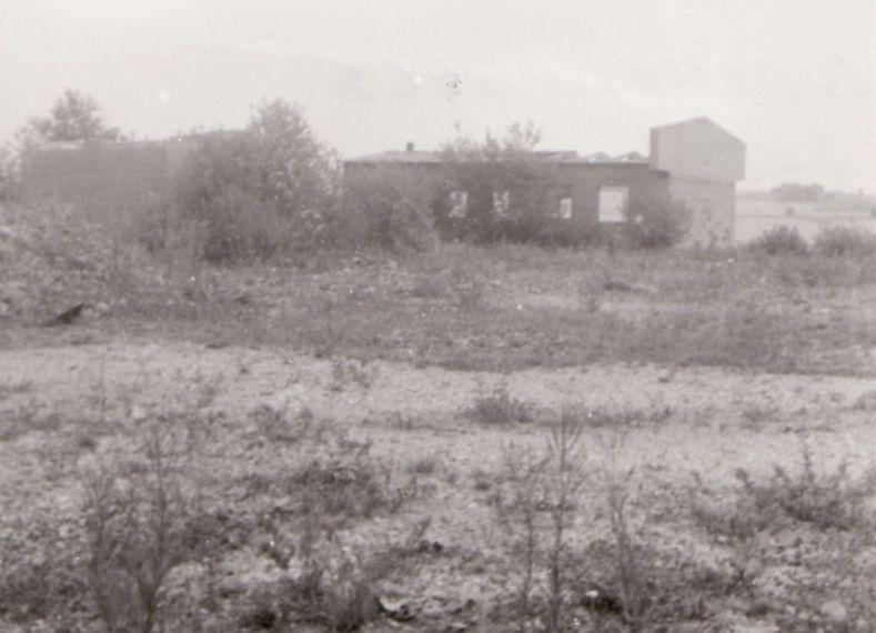 Trosky lágrů u Horního Slavkova, 60. léta. Zdroj: Paměť národa