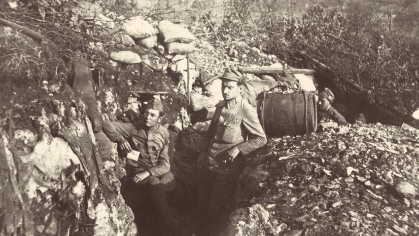V zákopech na italské frontě u Monfalcone. Zdroj: archív autora