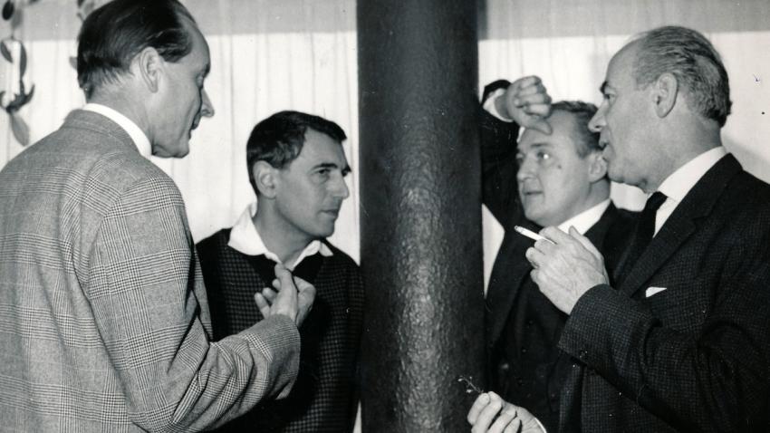 František Miška (druhý zleva) s herci Svatoplukem Benešem (první zleva), Oldřichem Lipským (druhý zprava).
