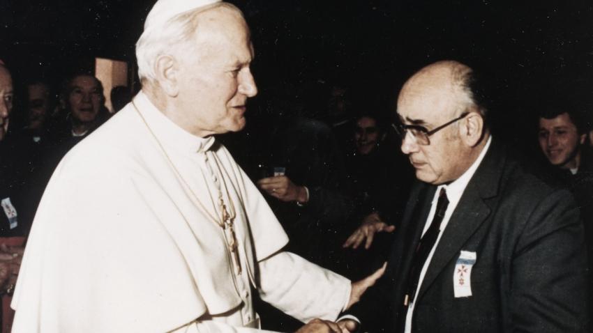 Pavel Konzal se při svatořečení Anežky České setkal s papežem Janem Pavlem II.