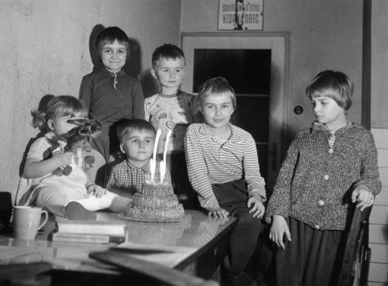 Děti rodiny Němcových, 60. léta. Zdroj: Paměť národa, archiv Ondřeje Němce