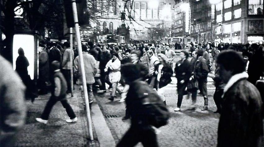 Zásah proti demonstrantům 16. ledna 1989. Zdroj: Paměť národa