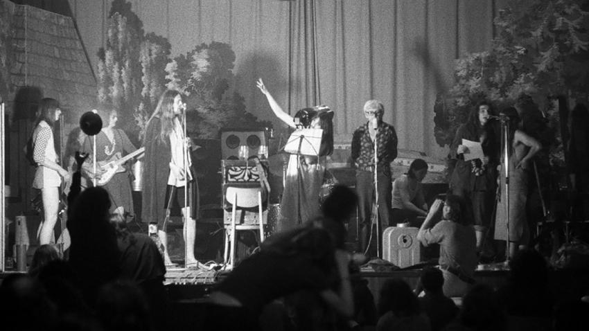 Koncert kapely DG 307 ve Veleni na začátku 70. let. Zdroj: Paměť národa