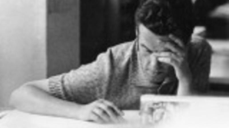 Při práci v Výzkumném ústavu matematických strojů v 80. letech. Zdroj: Paměť národa