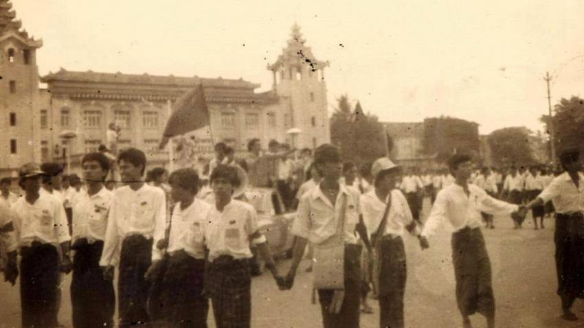 Protesty v Barmě v roce 1988. Foto: Paměť národa