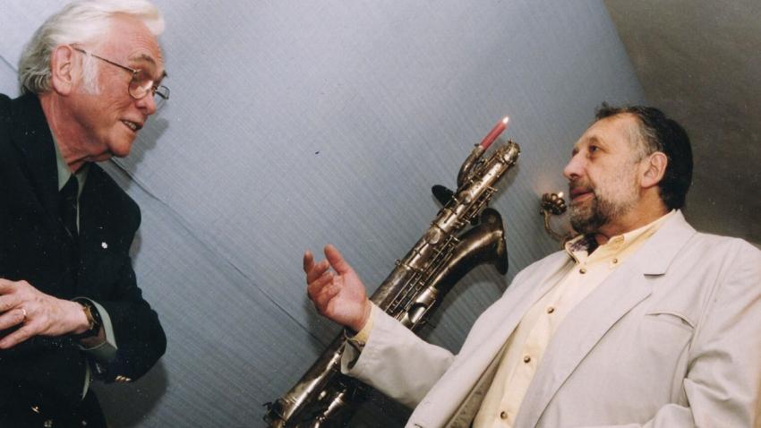 Jan Vodňanský s Josefem Škvoreckým v roce 1998. Foto: Paměť národa