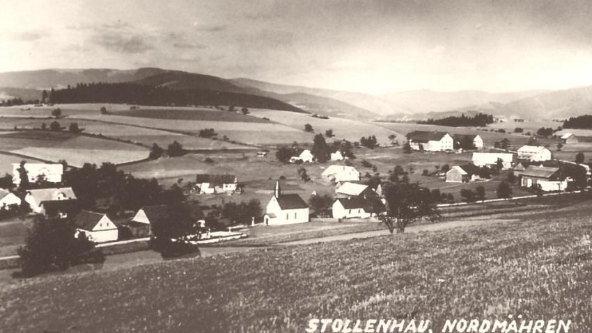 Pohled na předválečnou Štolnavu.