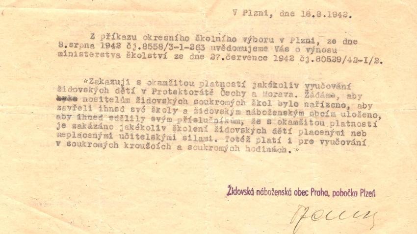 Po vyloučení z českých škol ve školním roce 1940/41 přišel v roce 1942 i zákaz soukromého vyučování židovských dětí. Zdroj: Paměť národa/Jan Spira