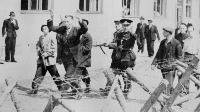 Zatýkání Němců na konci války. Foto: Paměť národa