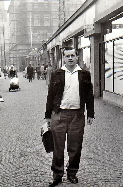 Na cestě domů z kriminálu v květnu 1960. Foto: Paměť národa