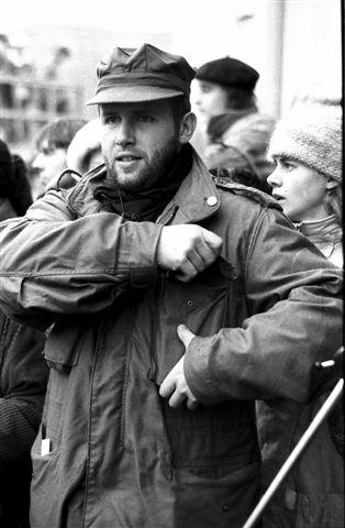 Petr Dohnal při generální stávce před divadlem v Pardubicích.