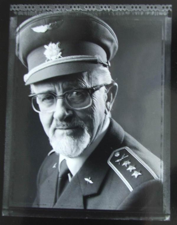 Zdeněk Štich na fotografii z dílny ateliéru Langhans. Zdroj: archiv pamětníka / galerie Langhans