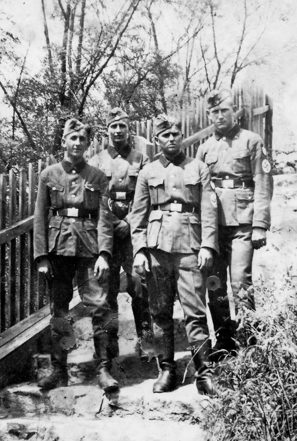 Nováčci ve wehrmachtu. Foto: Paměť národa