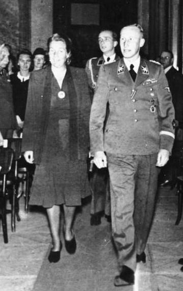 Reihard a Lina Heydrichovi. Zdroj: Bundesarchiv / CC-BY-SA