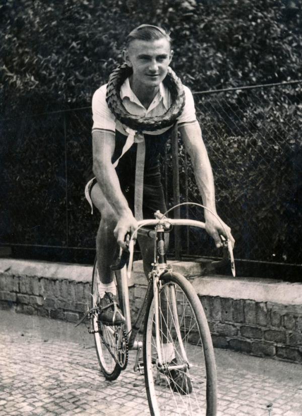 Jaroslav Cihlář jako vítěz v roce 1941.