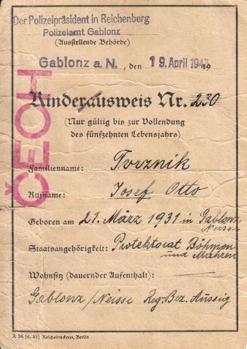 Průkaz Josefa Tvrzníka z roku 1943. Foto: Paměť národa