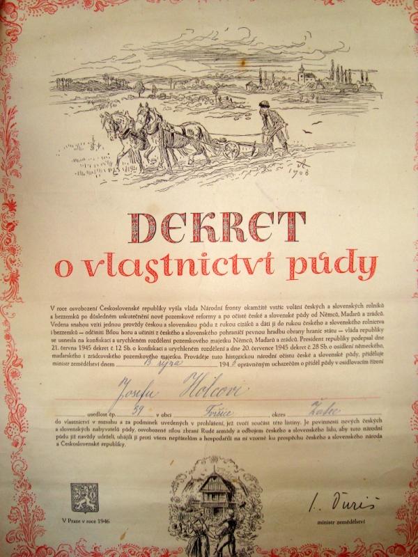 Dekret o poválečném vlastnictví půdy Josefa Holce. Foto: Paměť národa