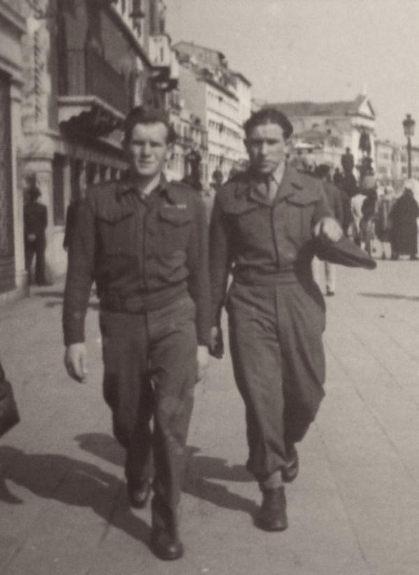 Služba pro UNRRA, Benátky 1. 4. 1946, Michal Demjan vpravo