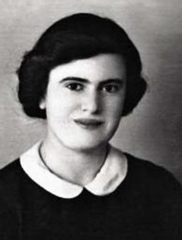 Dora v roce 1941.