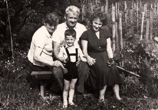 Doris se synem a Josefem Urbanem a jeho ženou Ludmilou v roce 1963.