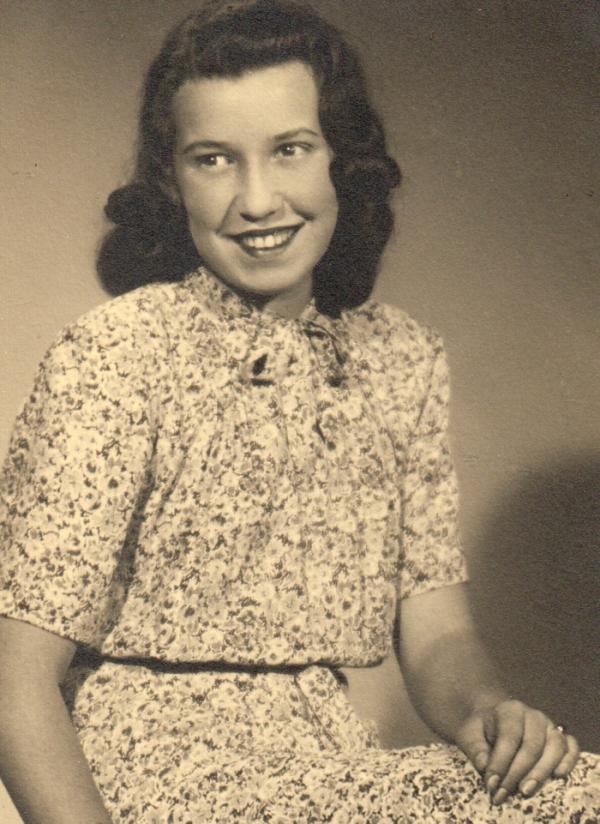 Jana Dubová v roce 1941