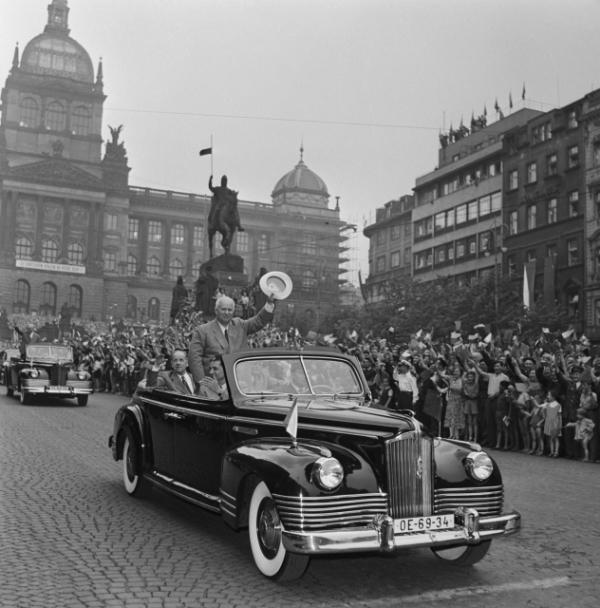 První tajemník ÚV KSSS Nikita Sergejevič Chruščov v Praze 10. července 1957. Foto: ČTK/Rublič Jiří