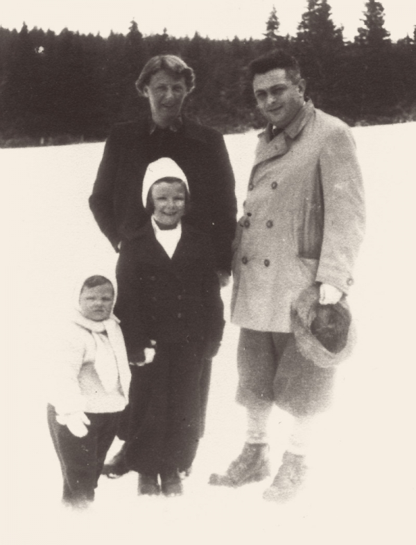 Šťastná rodina v roce 1936.