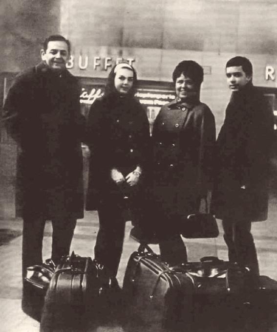 Glazarovi na cestě do emigrace na nádraží ve Vídni v únoru 1969. Foto: archív