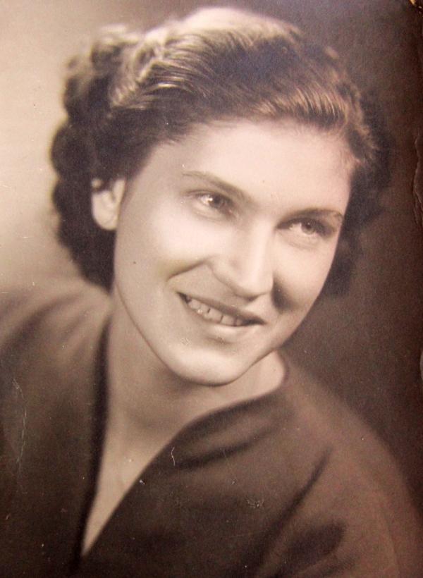 Ludmila Hermanová v roce 1956. V červnu 1958 ji po odsouzení přivezli z Olomouce do Želiezovců. Foto: Paměť národa
