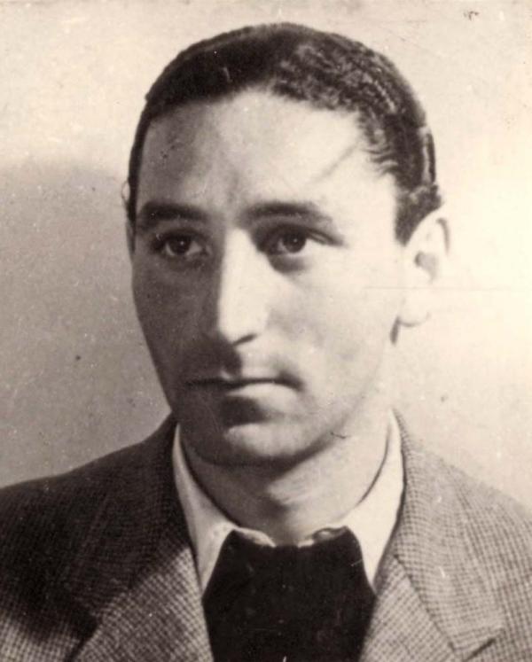 Fredy Hirsh pocházel z Cách, v roce 1935 z Německa emigroval a věnoval se práci s židovskou mládeží v Československu.