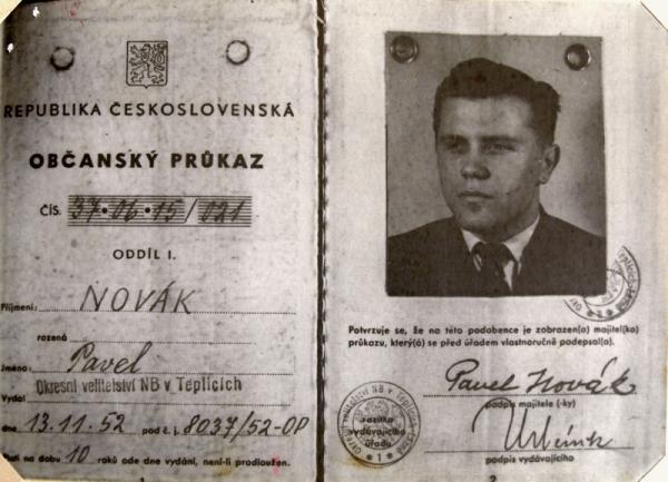 Falešný občanský průkaz Zdeňka Hostaši vydaný CIC pro špionážní činnost v ČSR.