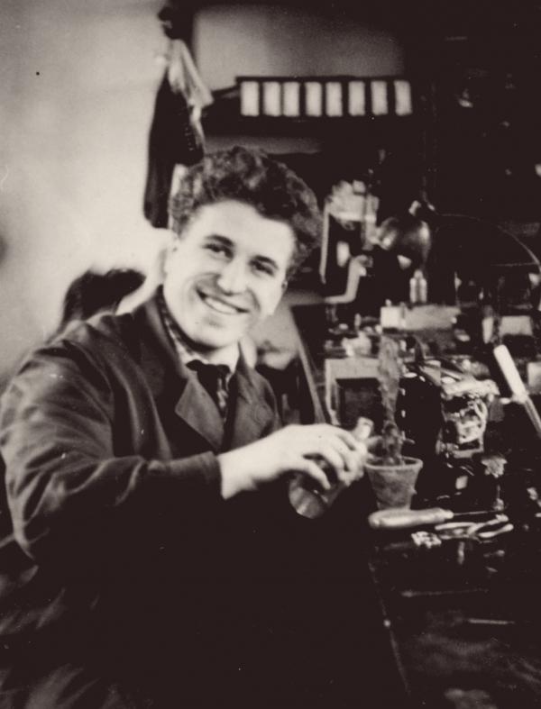 V učení na jemného mechanika. Foto:archiv Ivana M. Havla