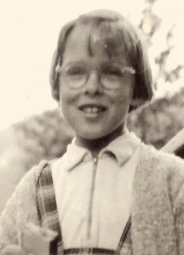 Hana asi v deseti letech v Herlíkovicích. Foto: Paměť národa