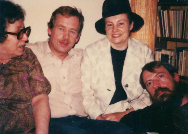 Václav Havel s mluvčími Charty 77 v roce 1983, Jan Kozlík první zprava