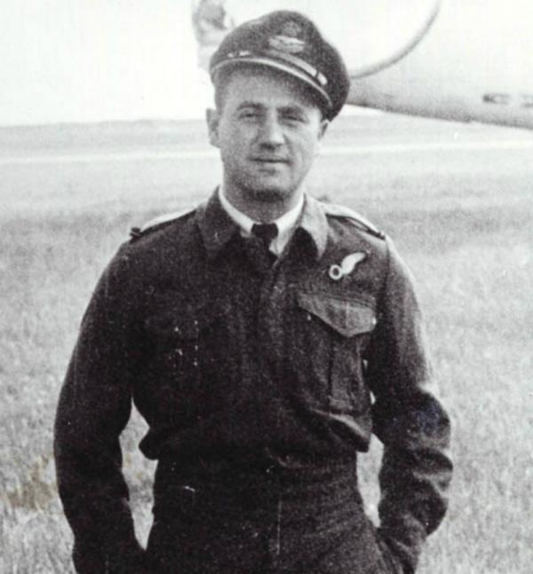 Bohumír Krézek jako pilot za 2. světové války.