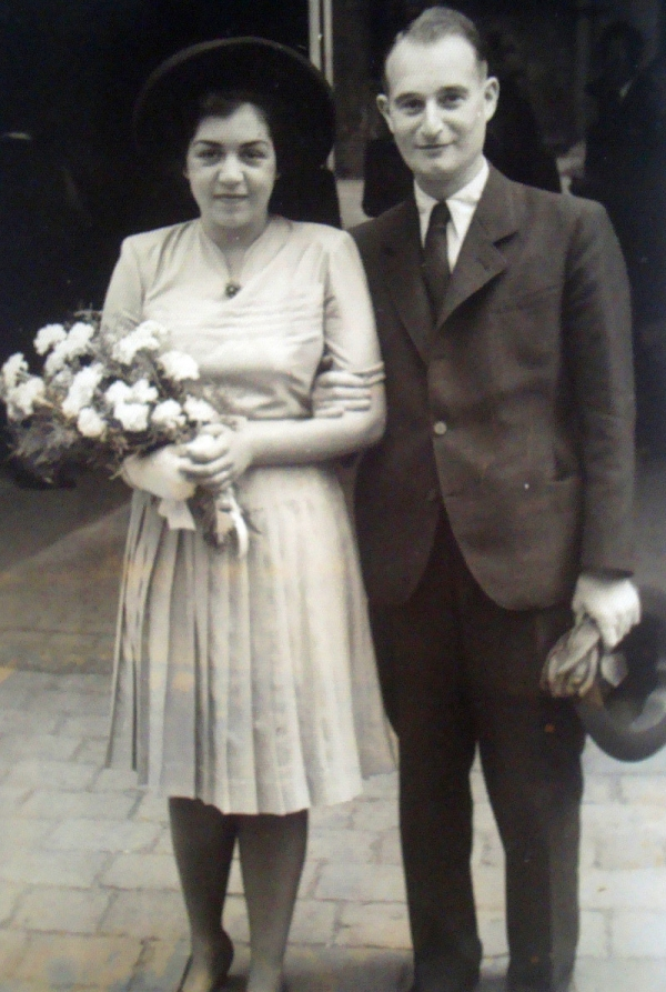 Poválečná svatba Lisy s Františkem - kvůli úřadům nakonec měli svatby tři.