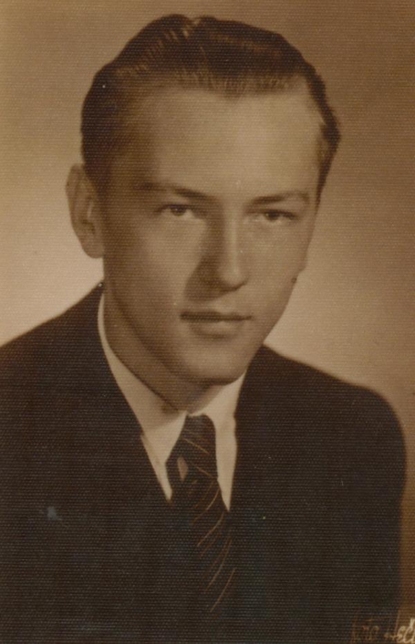 Ludvík Armbruster jako středoškolský student v roce 1945. Foto: Paměť národa