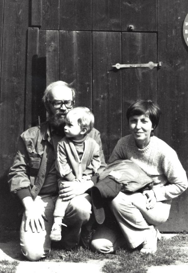 Maněnovi se synem Václavem na Hrádečku. Zdroj: archív Vlasty Maněnové