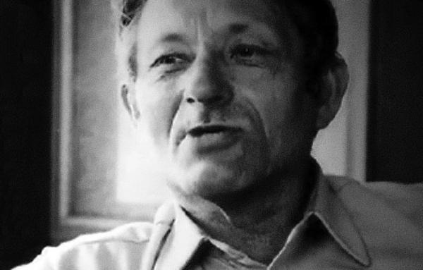 Augustin Navrátil byl v komunistickém tisku nehonestován jako nepříčetný kverulant.
