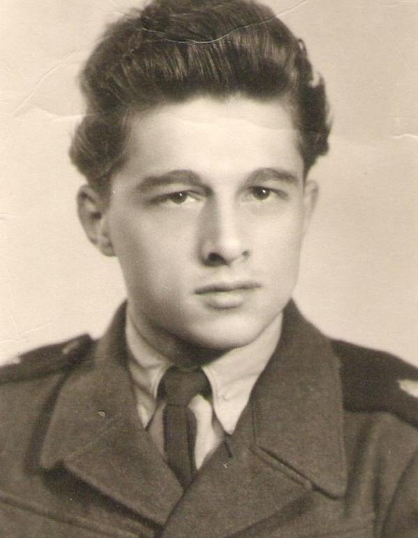 Otakar Švarc na vojně v roce 1952. Foto: Paměť národa