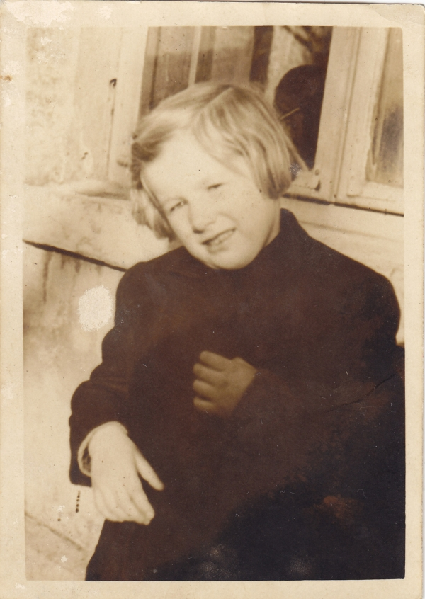 Alenka Malinová na konci války. Foto: Paměť národa