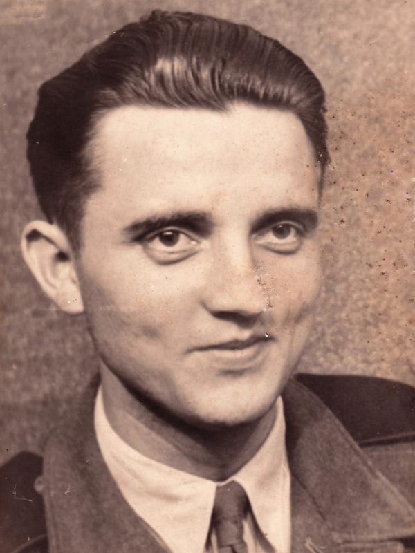 Petr Záleský u černých baronů v dole Dukla v roce 1950. Zdroj: Paměť národa