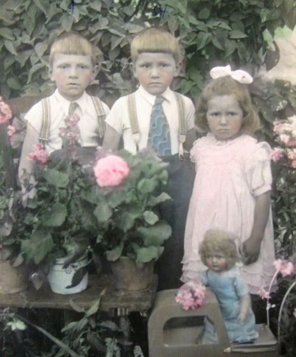 Ludmila s bratry Antonínem a Stanislavem.