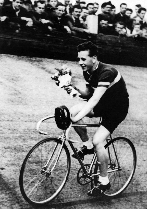 První vítězství Josefa Wolfa v roce 1956. Foto: Paměť národa